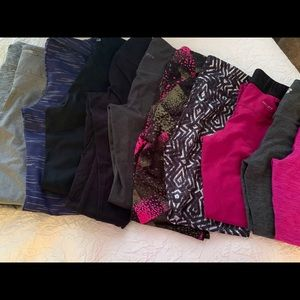 TWENTY PAIRS OF YOGA PANTS/LEGGINGS